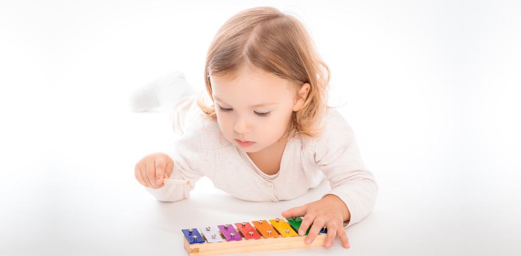 kind beim spielen